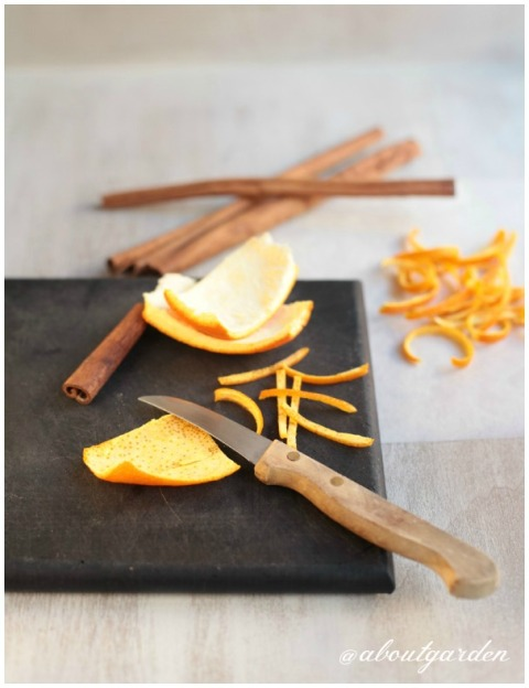 naranja cortada y seca