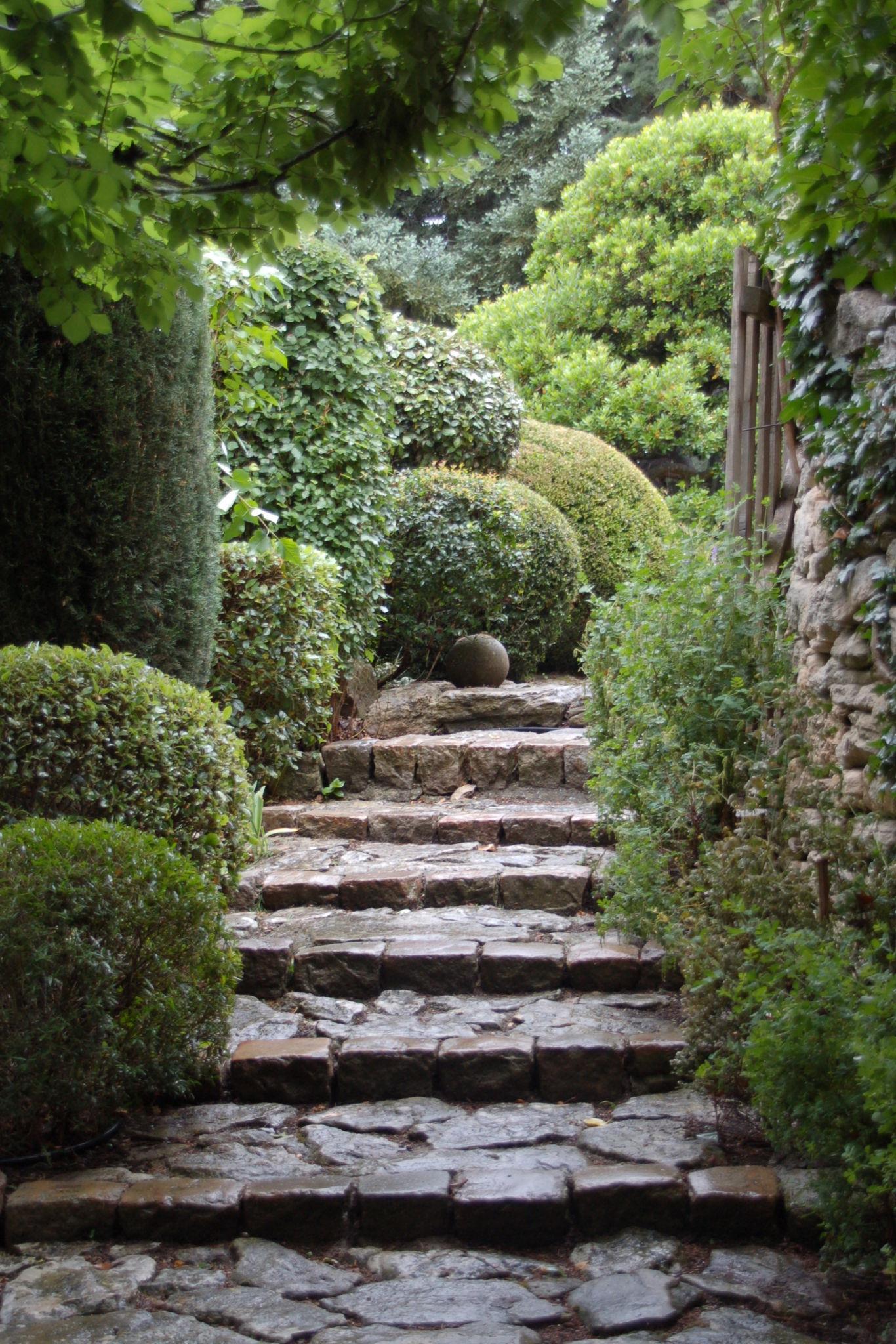 Bonnieux aboutgarden for Garden jardin
