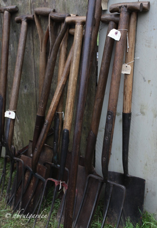Antichi attrezzi da giardino aboutgarden - Attrezzi da giardino professionali ...