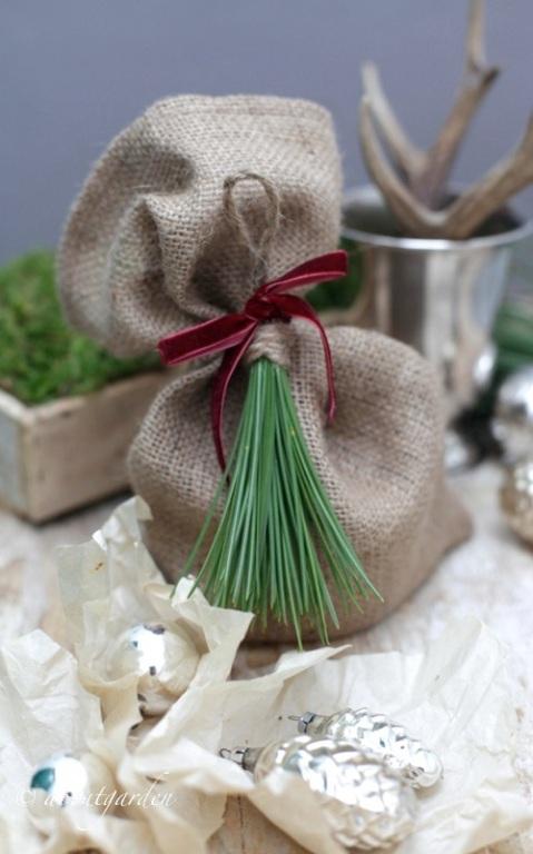 sacchetto con nappina