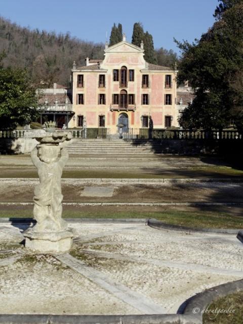 villa-barbarigo-e-fontana-degli-scherzi