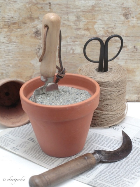pulire attrezzi con sabbia